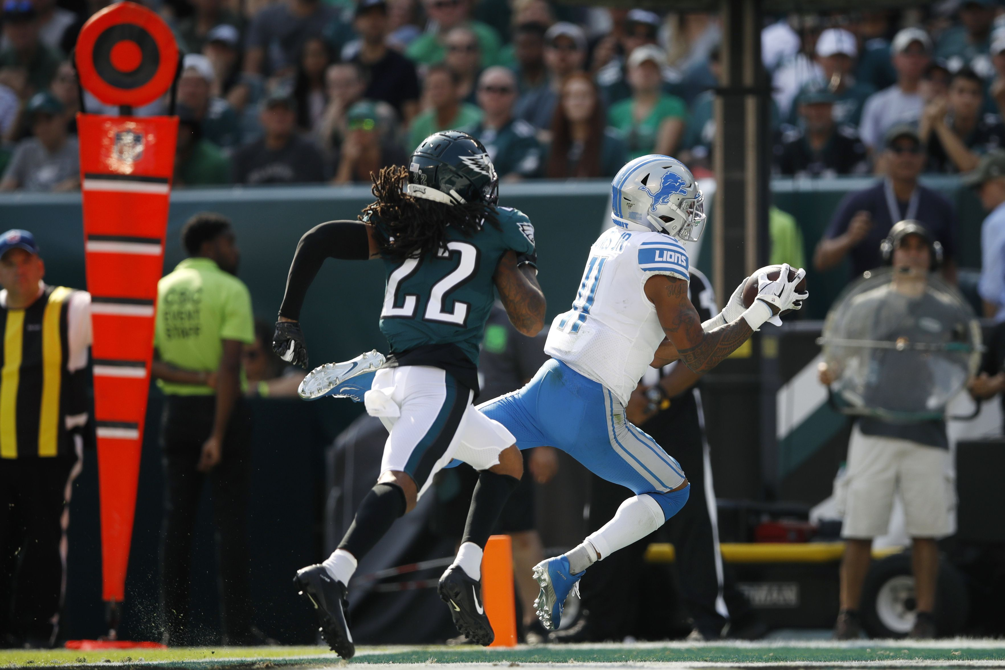 new style d7c9a 2485c Marvin Jones straps on his cape like it's 2017, scores ...