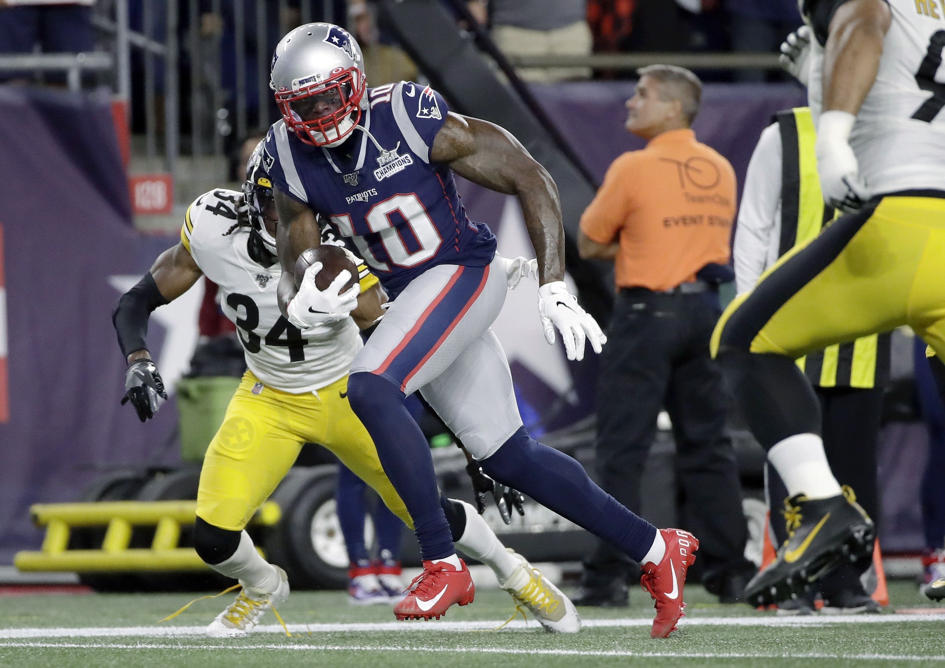 premium selection f8944 ea11a Bill Belichick assesses Josh Gordon's first month back with ...