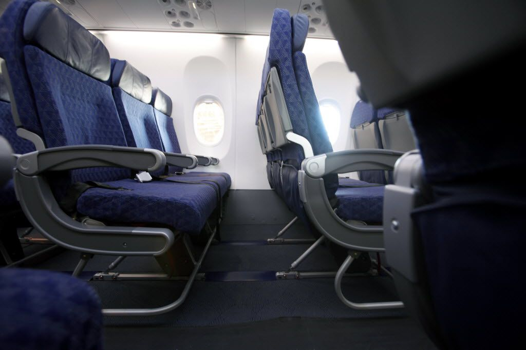 American Airlines Drops Seat Back Video Screens On New