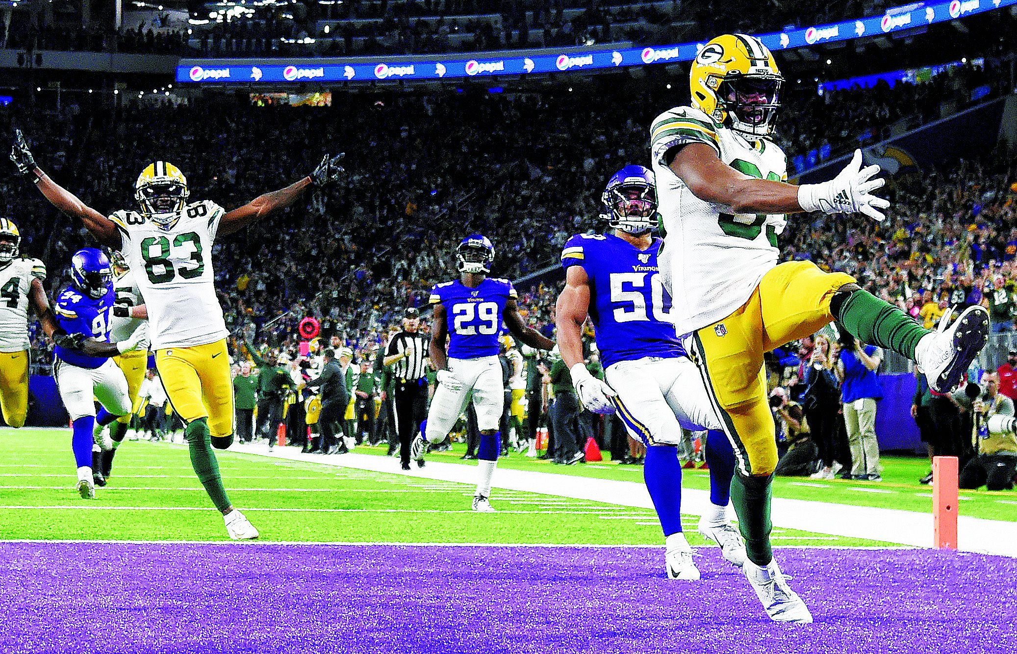 Packers Rally Vs Vikings To Clinch Nfc North Title The Boston Globe