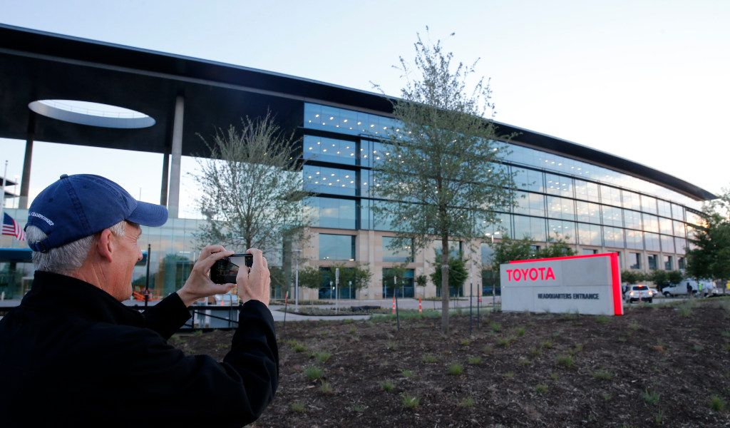 Toyota Of Plano >> Moving Day Toyota S Transition Starts As Employees Check