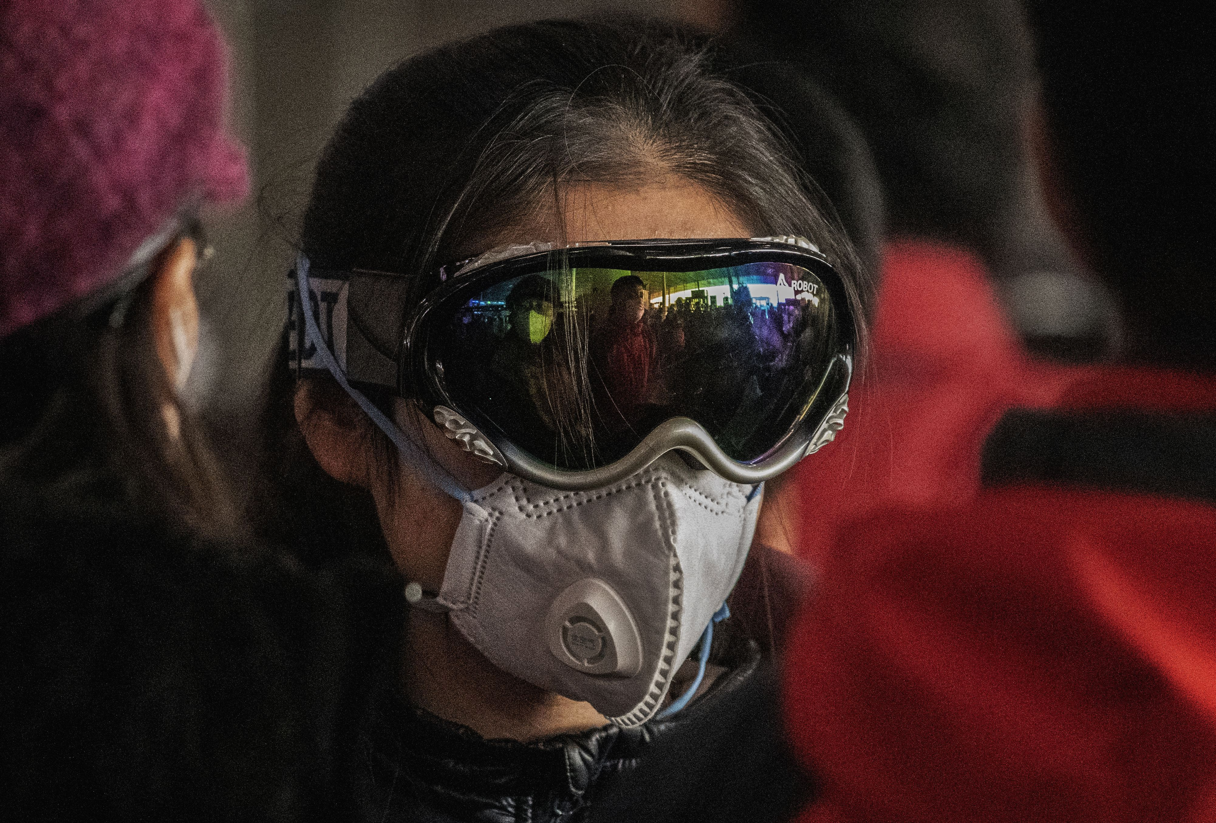 Winter Sports Enthusiasts Donating Goggles To Doctors In Need Of Protective Equipment The Boston Globe