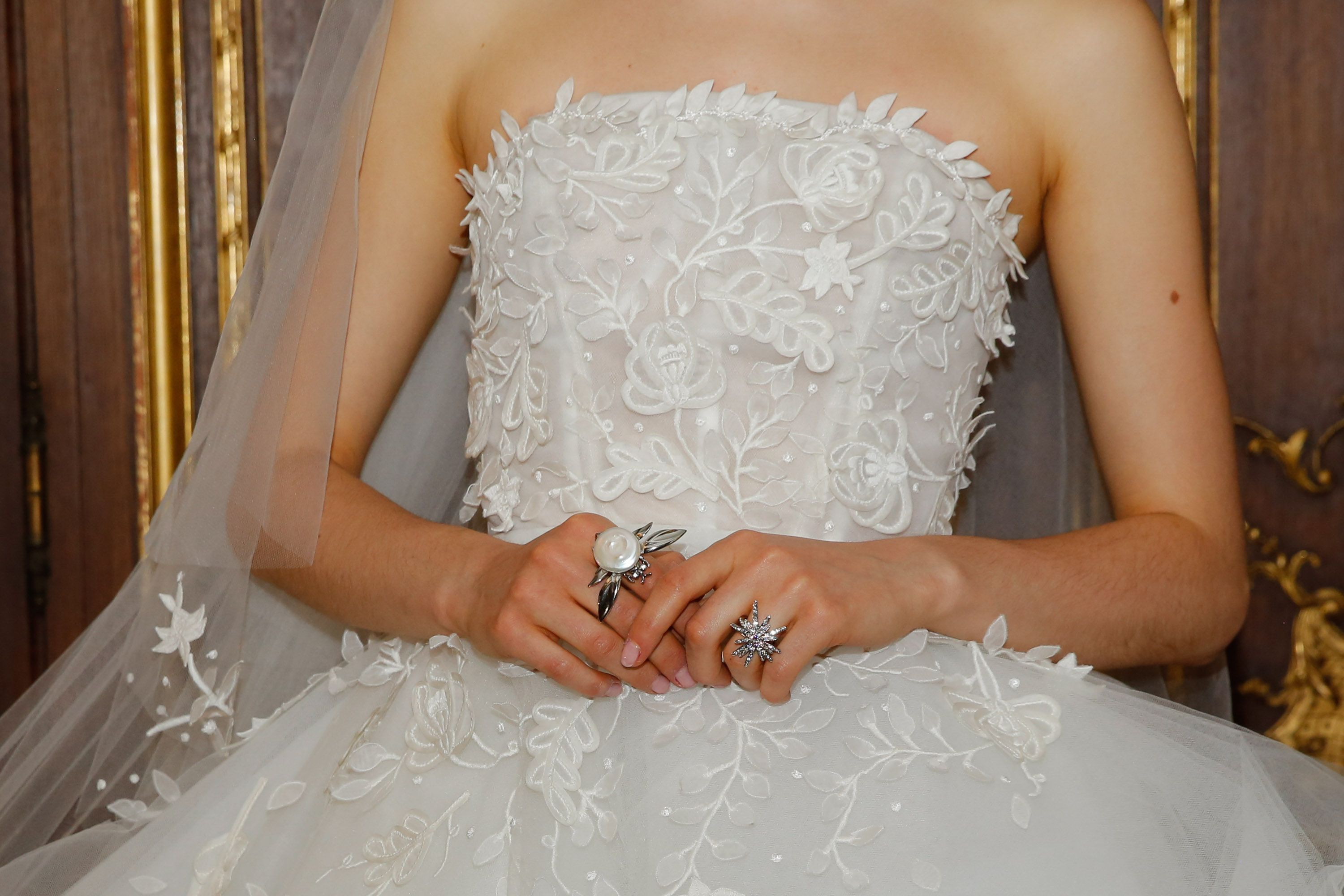 Wedding Gowns Start At 6 000 Pesos Sale And Rent Home Facebook