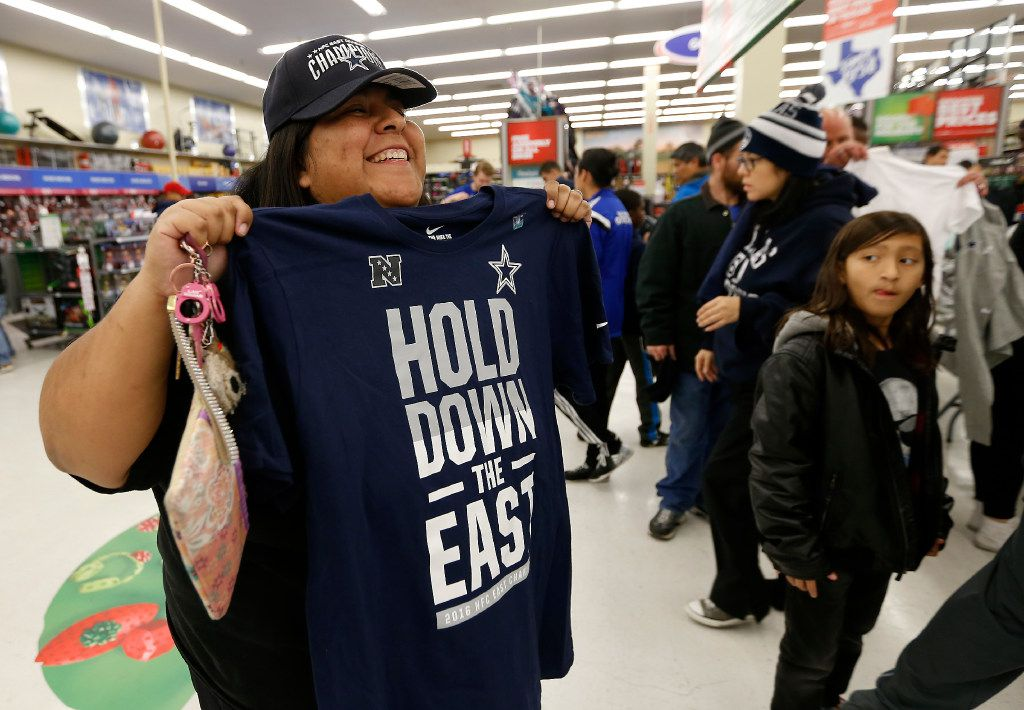 online store d0044 d8ae3 Retailer breaks out championship gear in Dallas as Cowboys ...