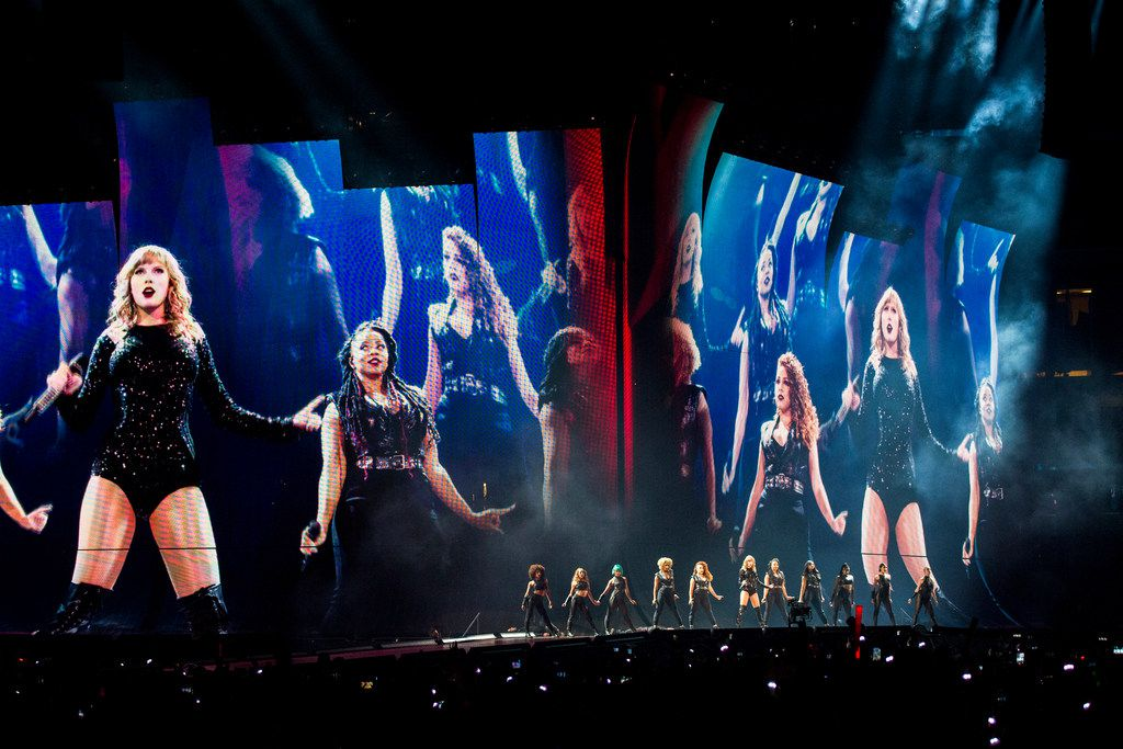 Taylor Swift S Bombastic Concert At At T Stadium Included Fireworks Dancing And A Surprise Guest
