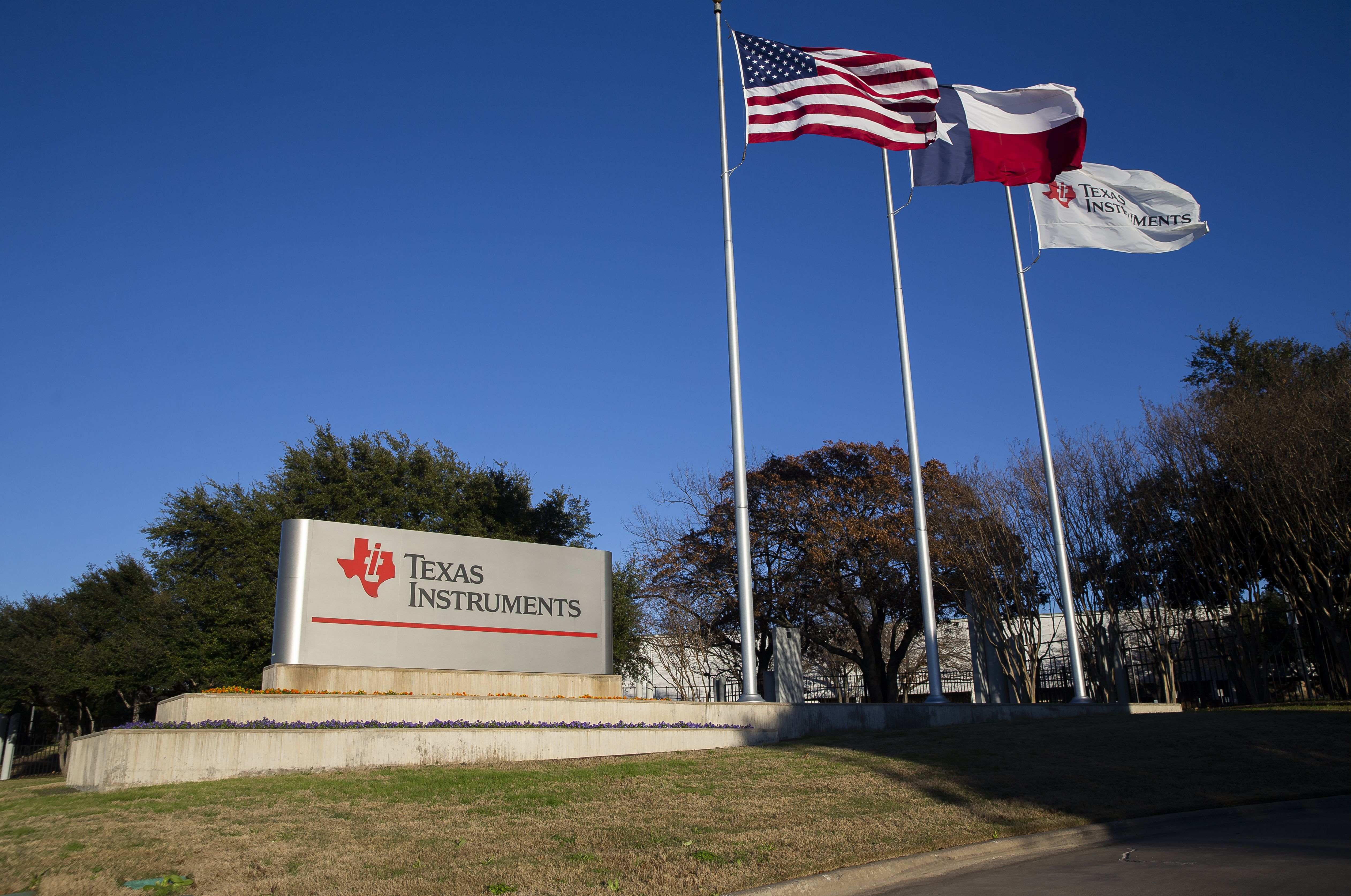 texas instruments dallas map Texas Instruments To Close Two Dallas Area Factories In The Next