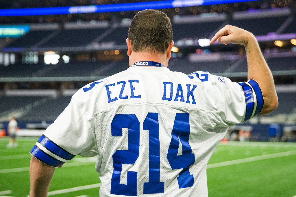 more photos 4cf06 dc821 Report: Cowboys jersey sales already surpass last season as ...