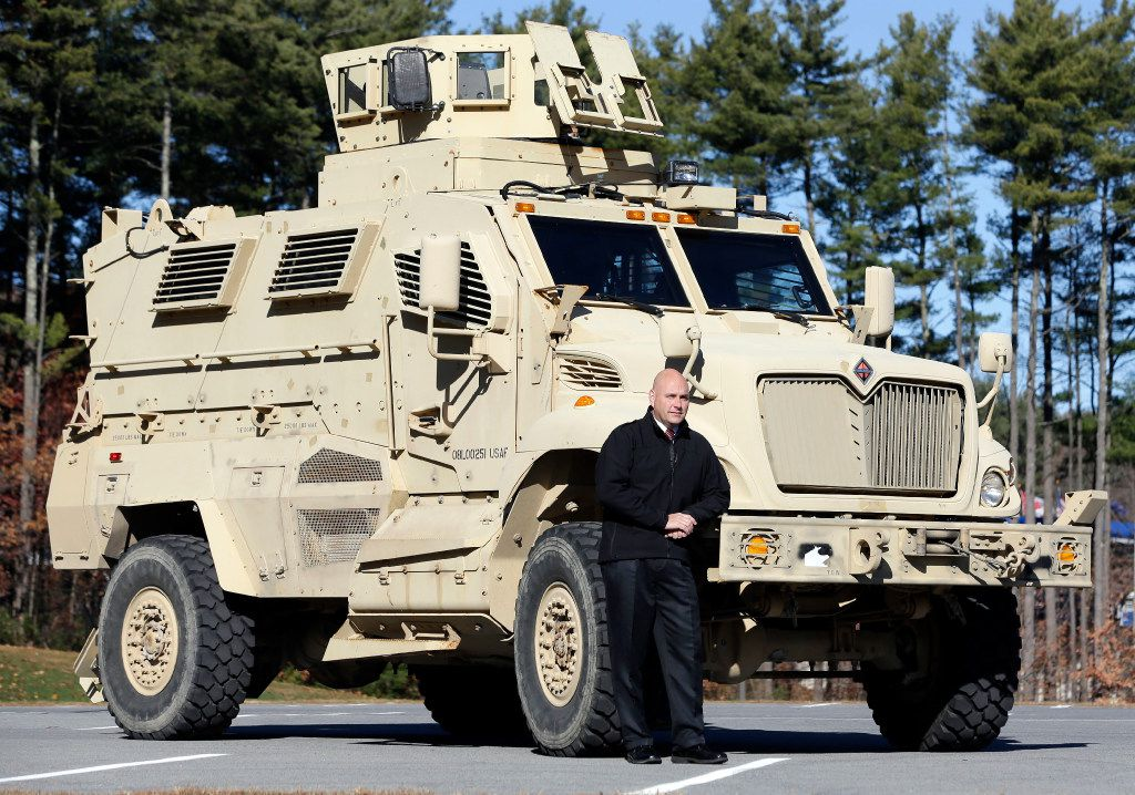 Military Vehicles For Sale >> Trump Allows Local Police To Stock Up On High Powered