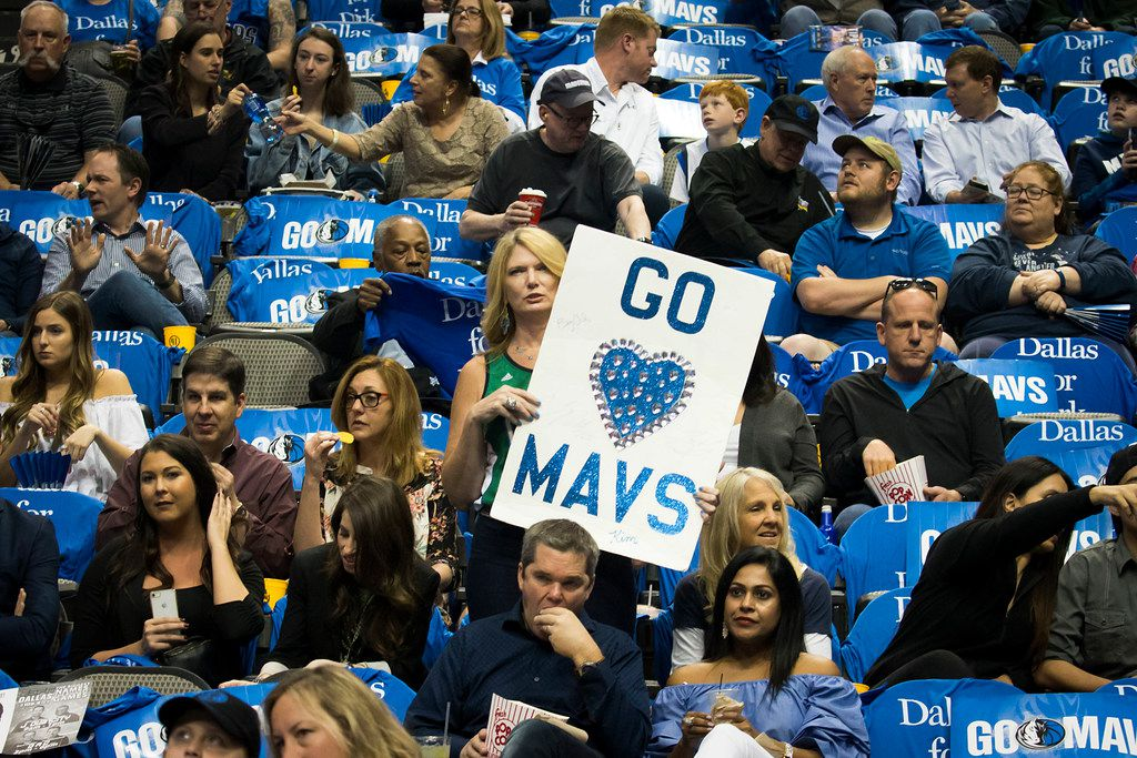 wholesale dealer 39573 7dddd With new app, Mavs fans could earn tickets for working out