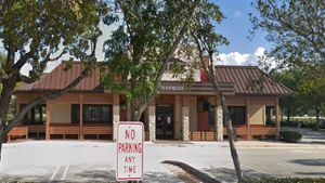outback steakhouse domino s pizza and taco joint ordered shut last week wplg local 10