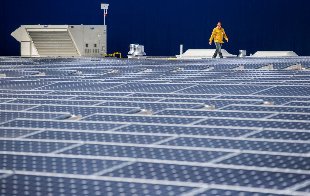 Why Dallas solar capacity pales compared with Austin, San