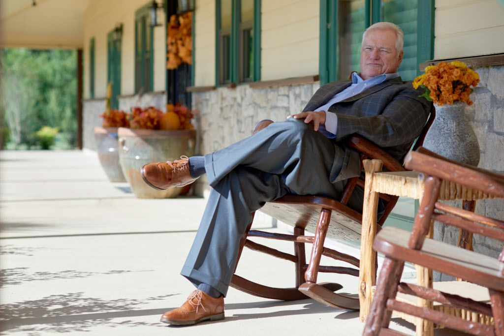Wfaa S Dale Hansen Keeps Plugging On How Why Social Media Giant Signed On For One More Year