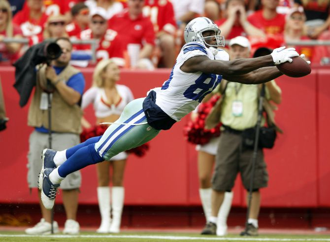 Photos Dez Bryant S Big Catch And Bigger Drop Brutal Hit