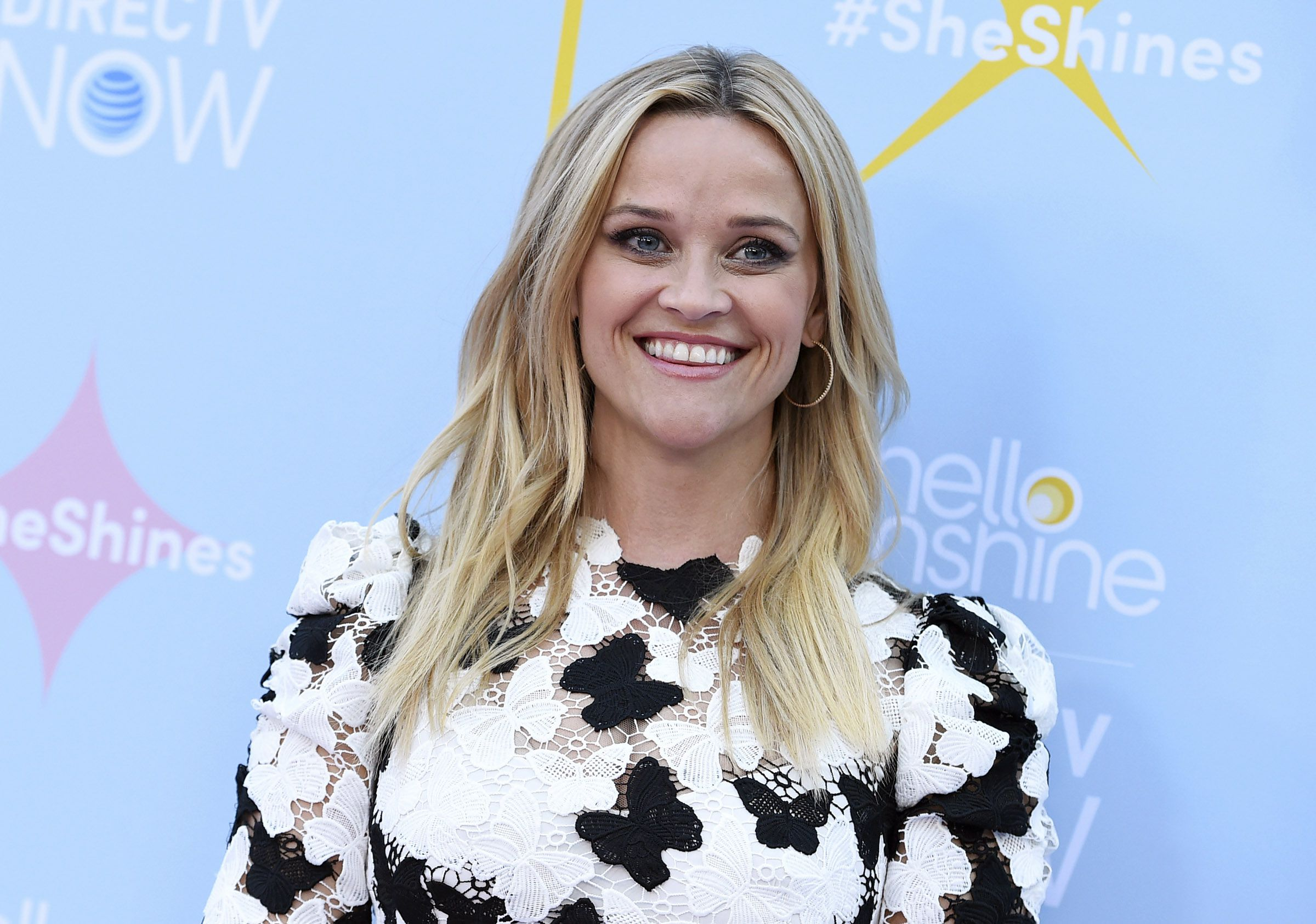 Reese Witherspoon Announces Her February Book Club Pick Al Com