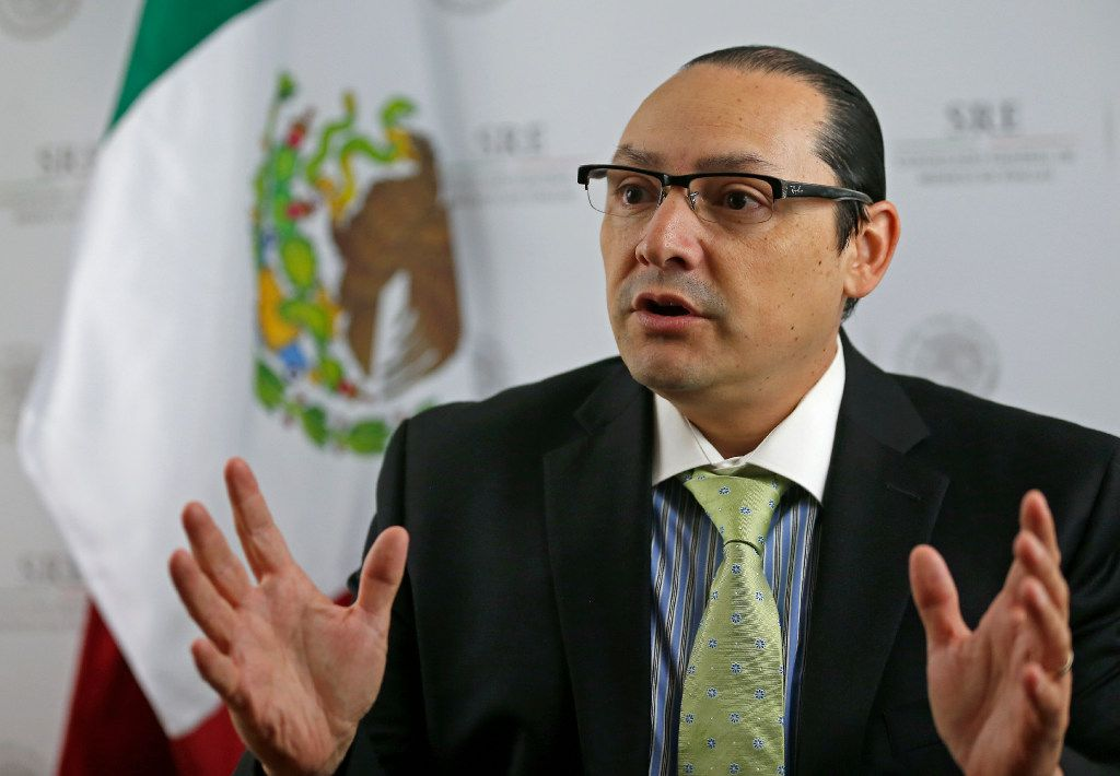 Mexico's consul in Dallas to stay on under new president