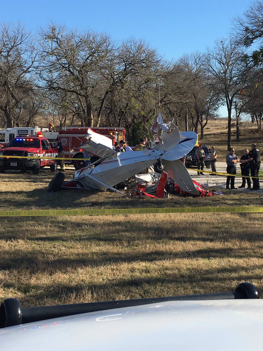 Small plane crashes in Denton County north of Texas Motor