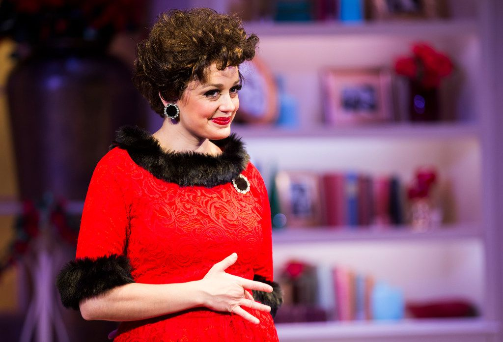 Judy Garland Lives One More Time As Janelle Lutz Channels Her In A Very Judy Christmas