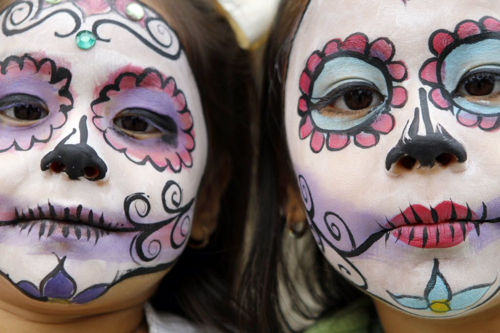 Ofrenda Day of the Dead Dia de Los Muertos Adult Mask