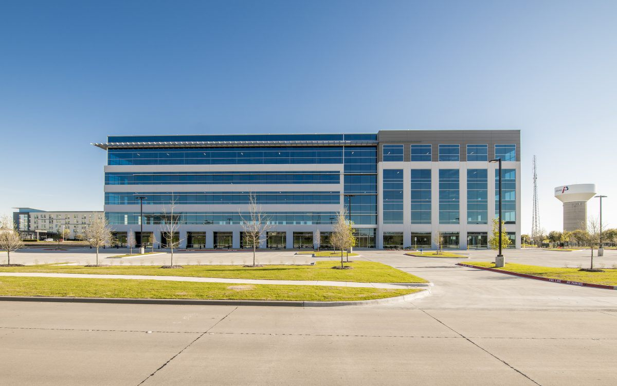 Hewlett Packard lease fills up Plano office project
