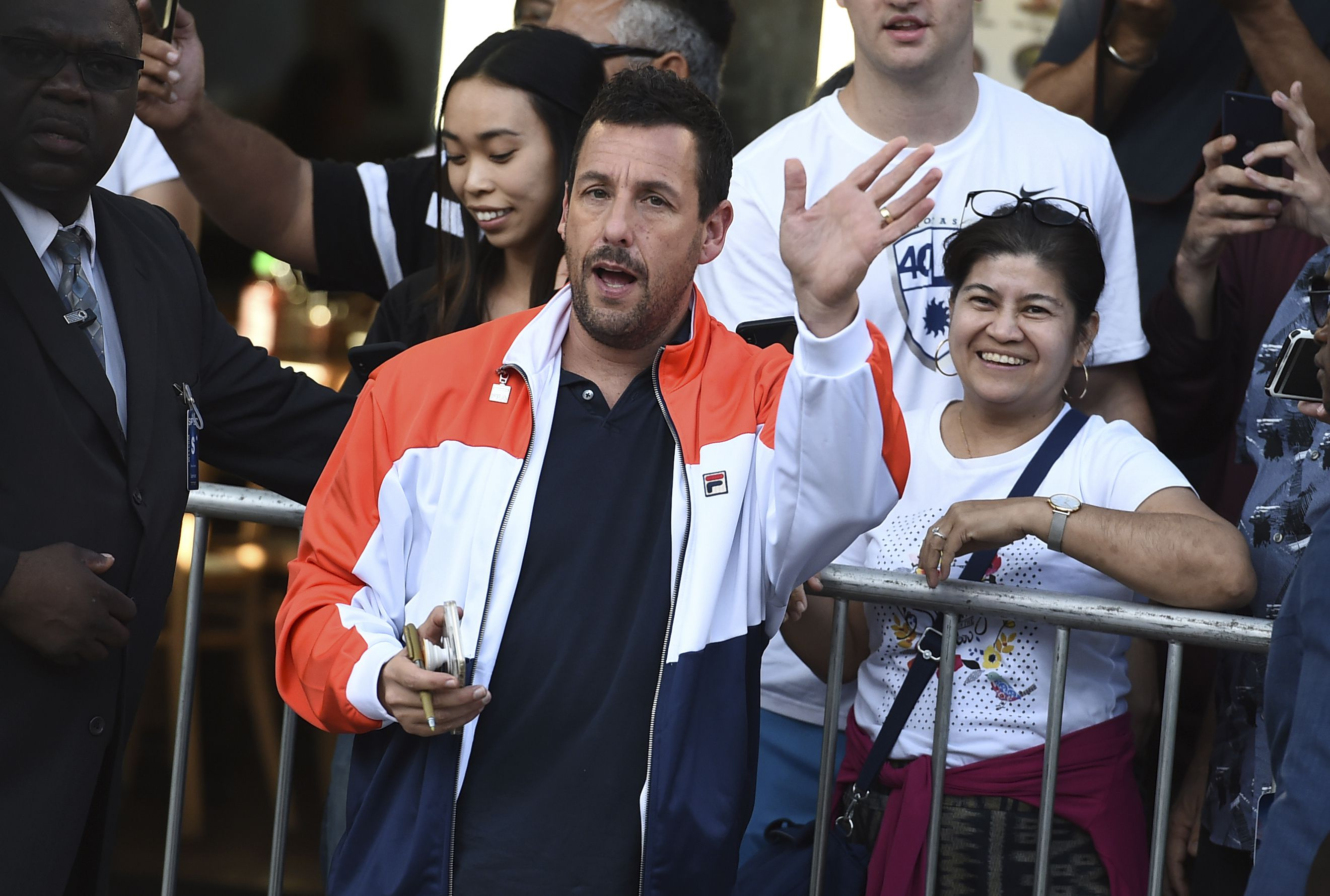 Adam Sandler Returns To The North Shore To Film Hubie Halloween The Boston Globe