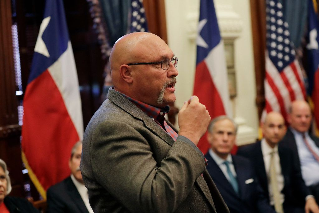 Sutherland Springs pastor to run as Republican against