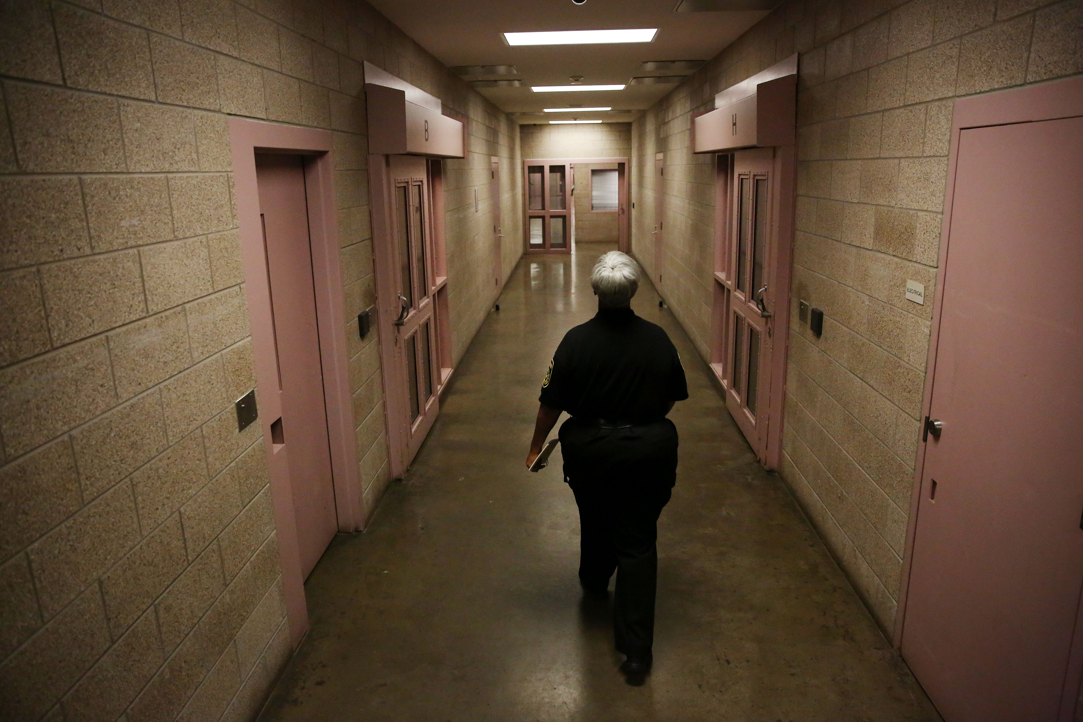 As Local Officials Shrink Jail Populations Due To Coronavirus Texas Gov Abbott Blocks Release Of Some Inmates Who Can T Pay Bail