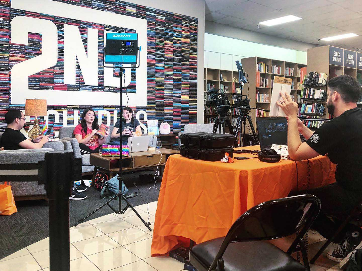 Local Bibliophiles Start Online Book Club For Fantasy Fans Al Com Meet adam schwartz, the guy in all those 'it's a … 11.05.2020 · the literarily wasted team is, from left, talia lin, adam schwartz, christy schwartz and lucas pepke. al com