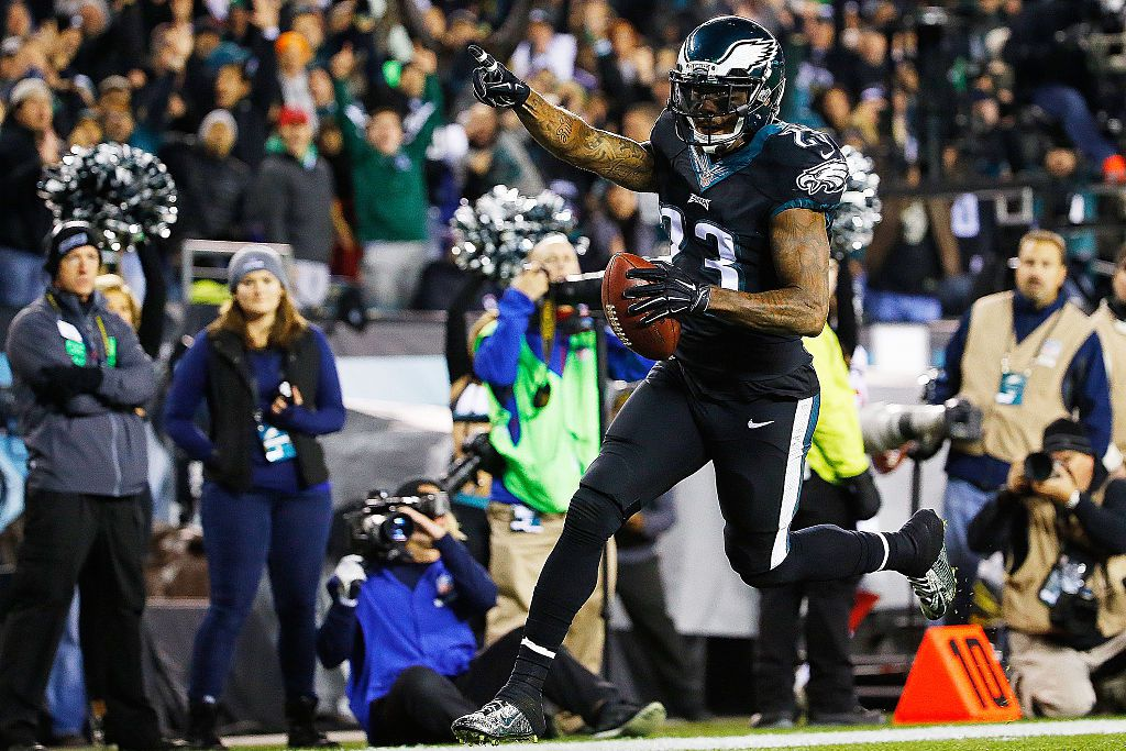 10 things to know about Nolan Carroll: from getting tripped by ...