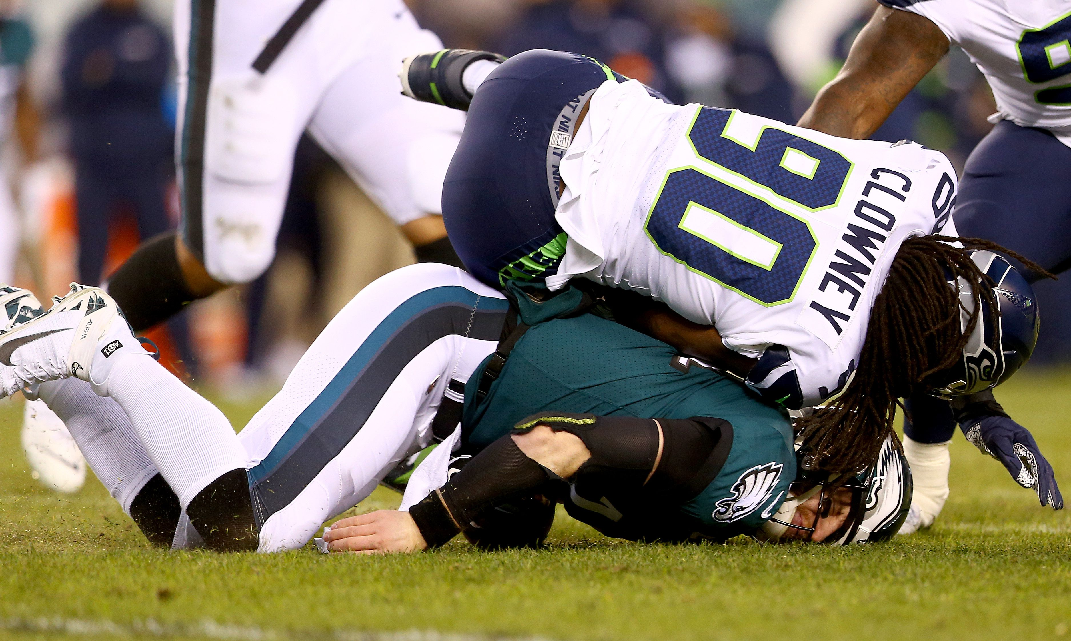Carson Wentz Injury What The Referee Doug Pederson And Jadeveon Clowney Said About Hit On Eagles Qb Pennlive Com