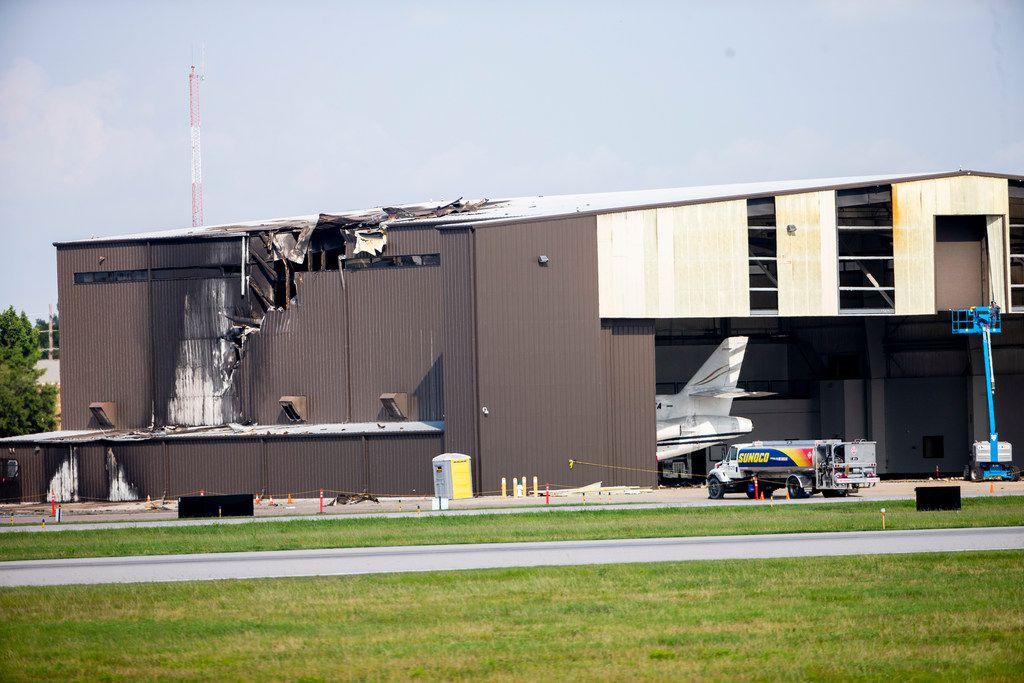 10 dead after small plane crashes into Addison Airport hangar