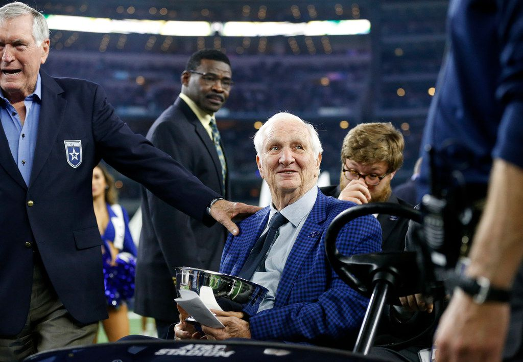 Cowboys Ring of Honor member Gil Brandt, wife narrowly avoid