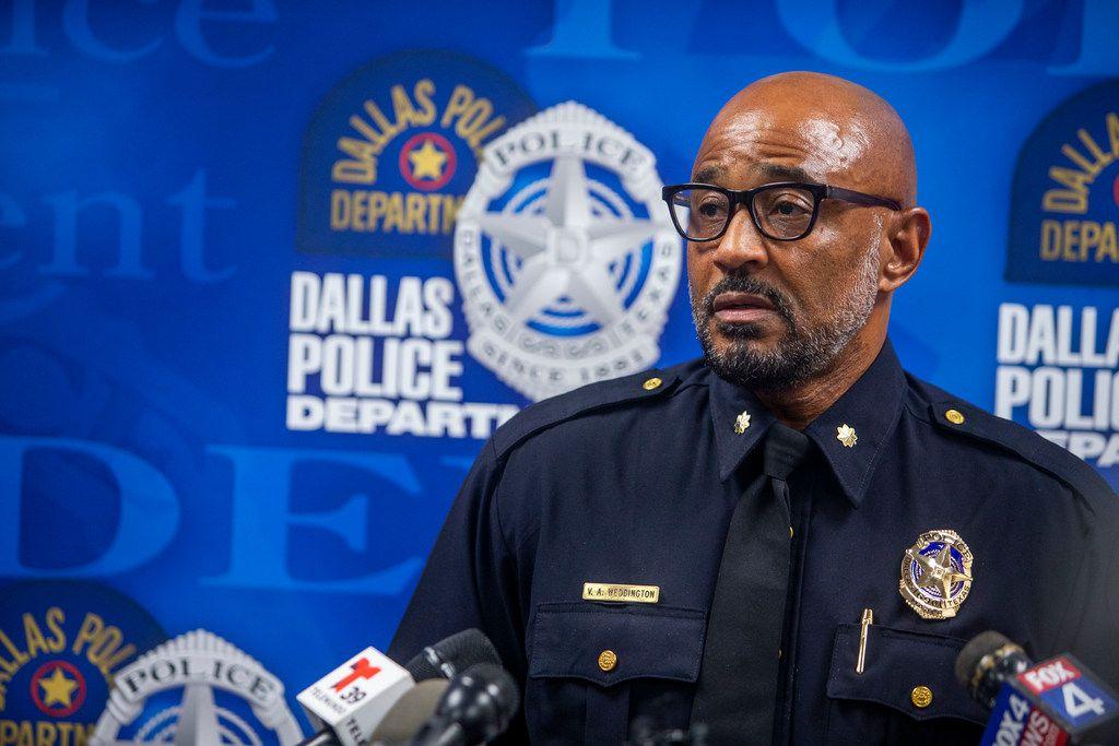 Dallas police transfer commander who is under investigation