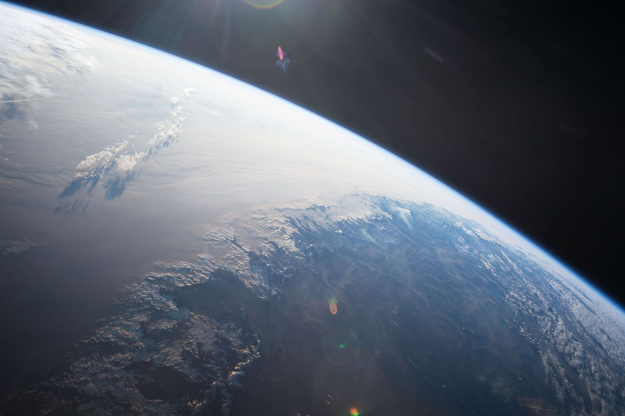 10 easy ways you can tell for yourself that the Earth is not