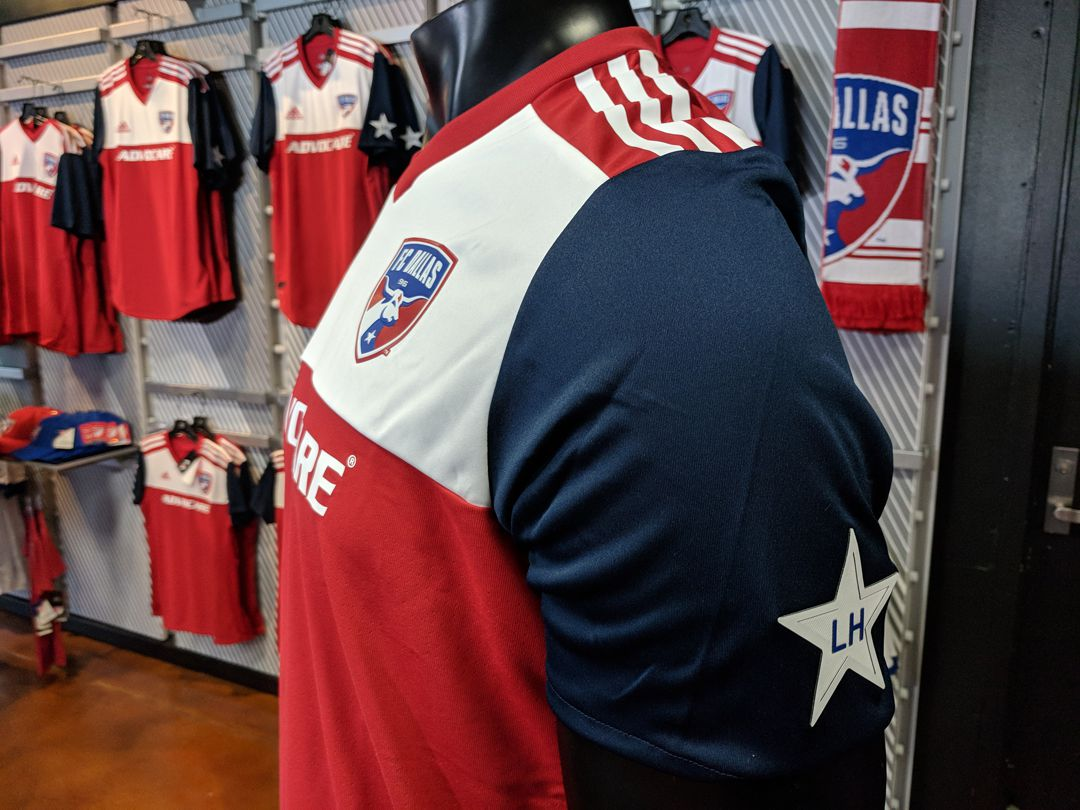 best service 787de 45aeb Pictures from the FC Dallas 2018 home kit reveal