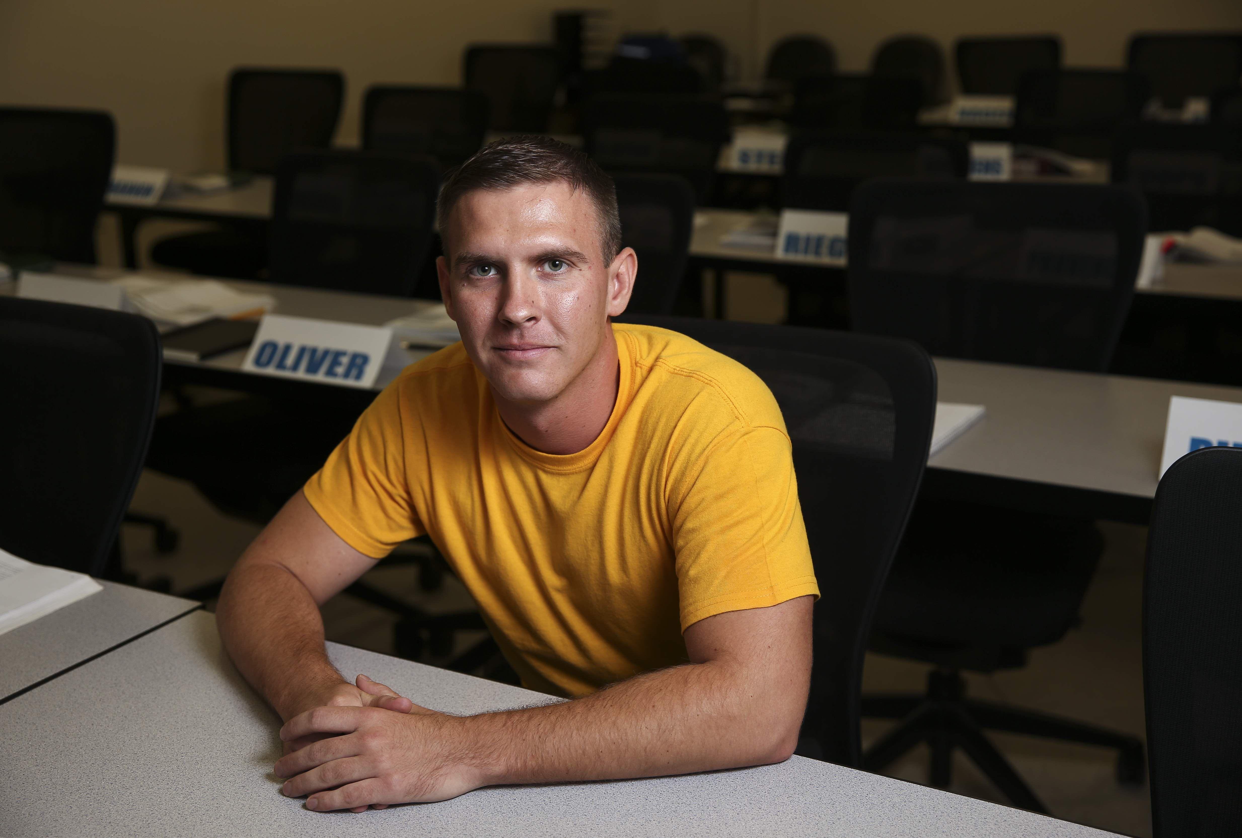 In need of deputies, Hillsborough sheriff loosens college