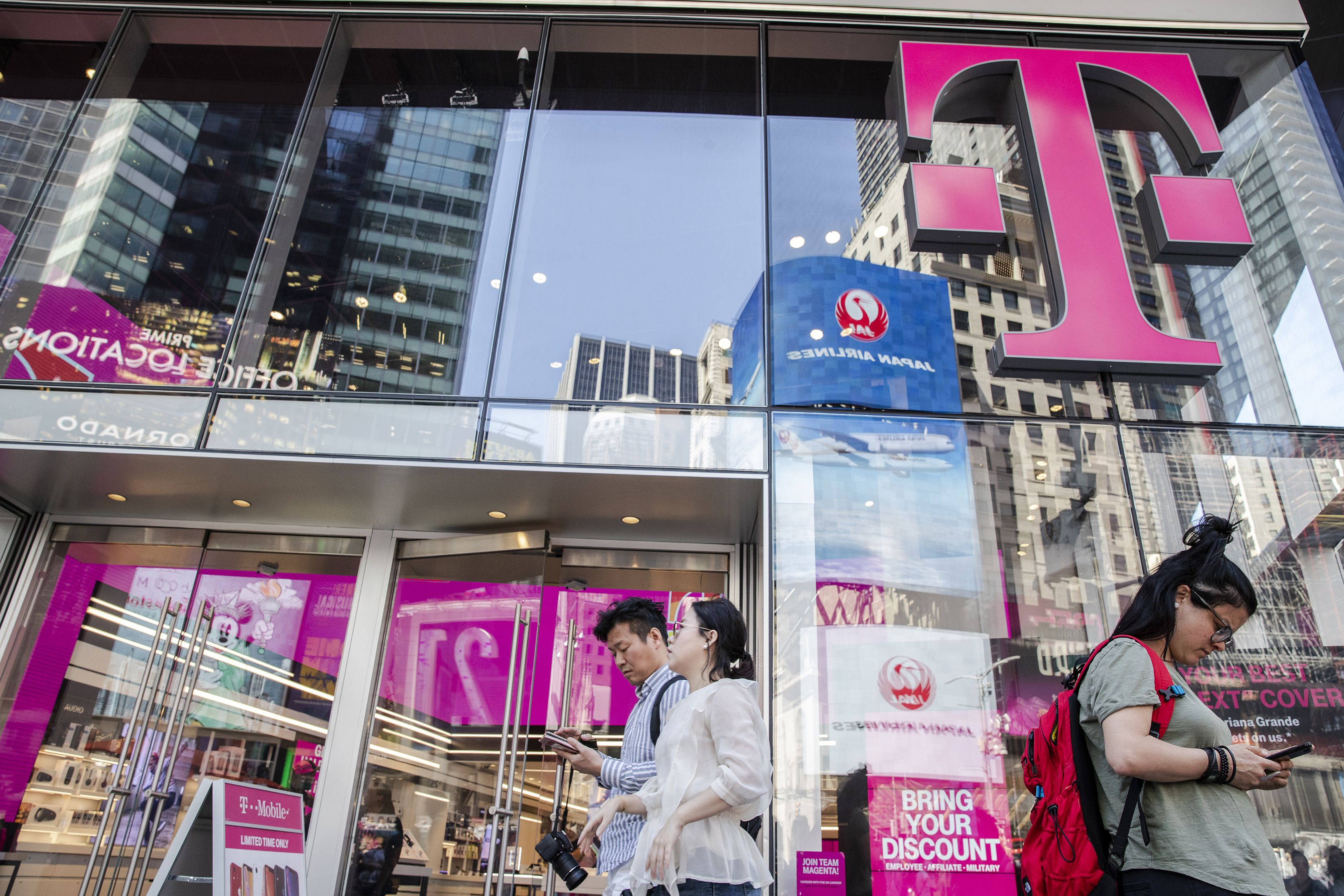 The T Mobile Sprint Merger Looks Like It S Finally Happening
