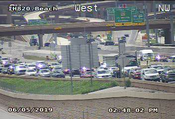 Fatal crash shuts down part of I-820 in North Fort Worth