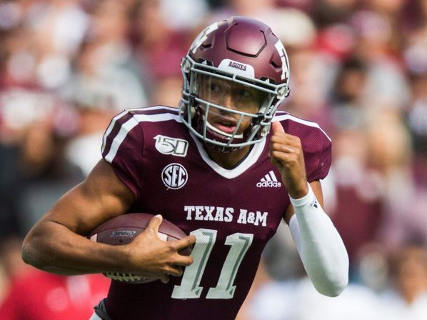 Kellen Mond Asks Classmates To Help Texas A M Avoid An Outbreak Wear Your Masks Limit The Partying