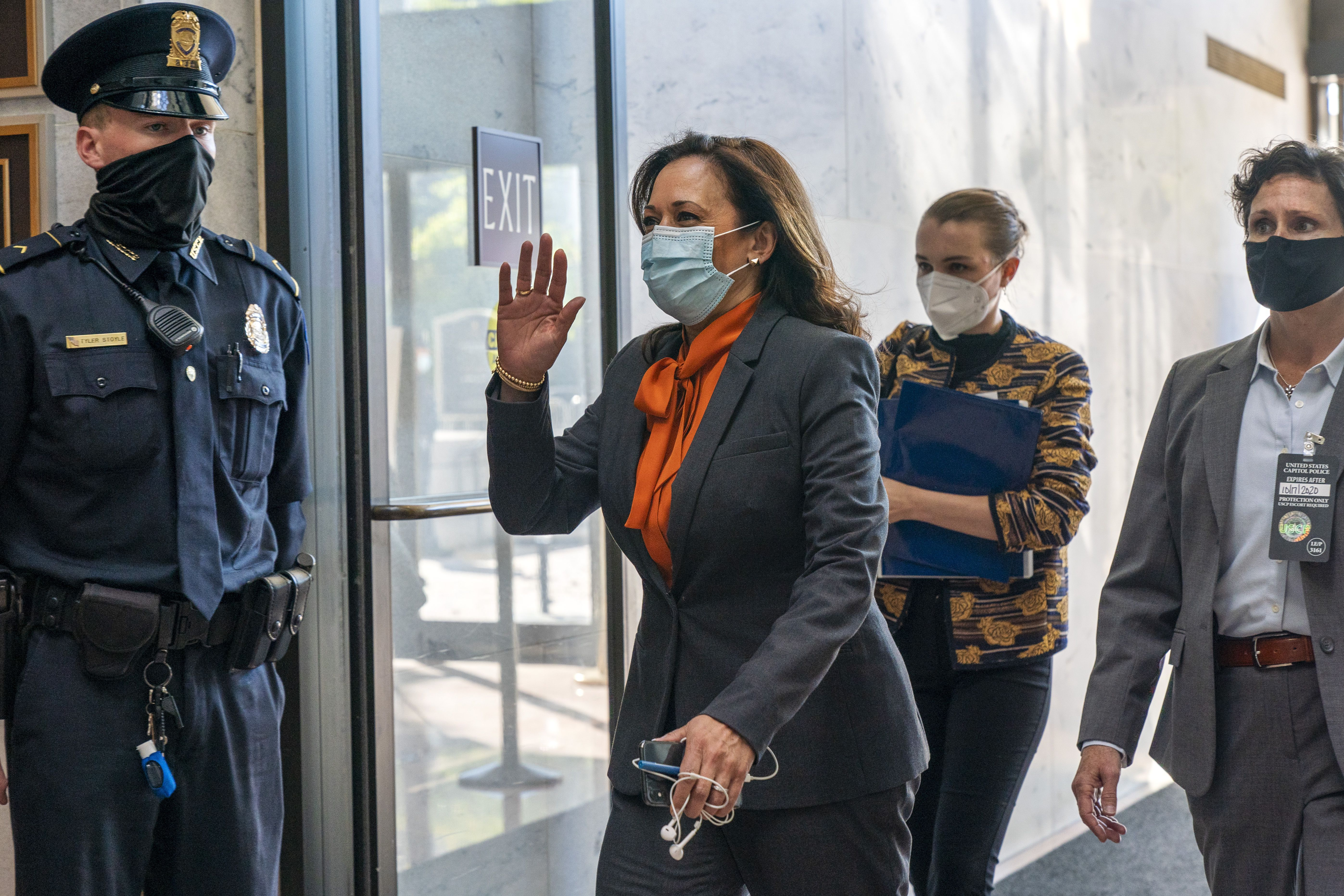 Kamala Harris Suspends Travel After Two Associated With Campaign Test Positive For Covid 19 The Boston Globe