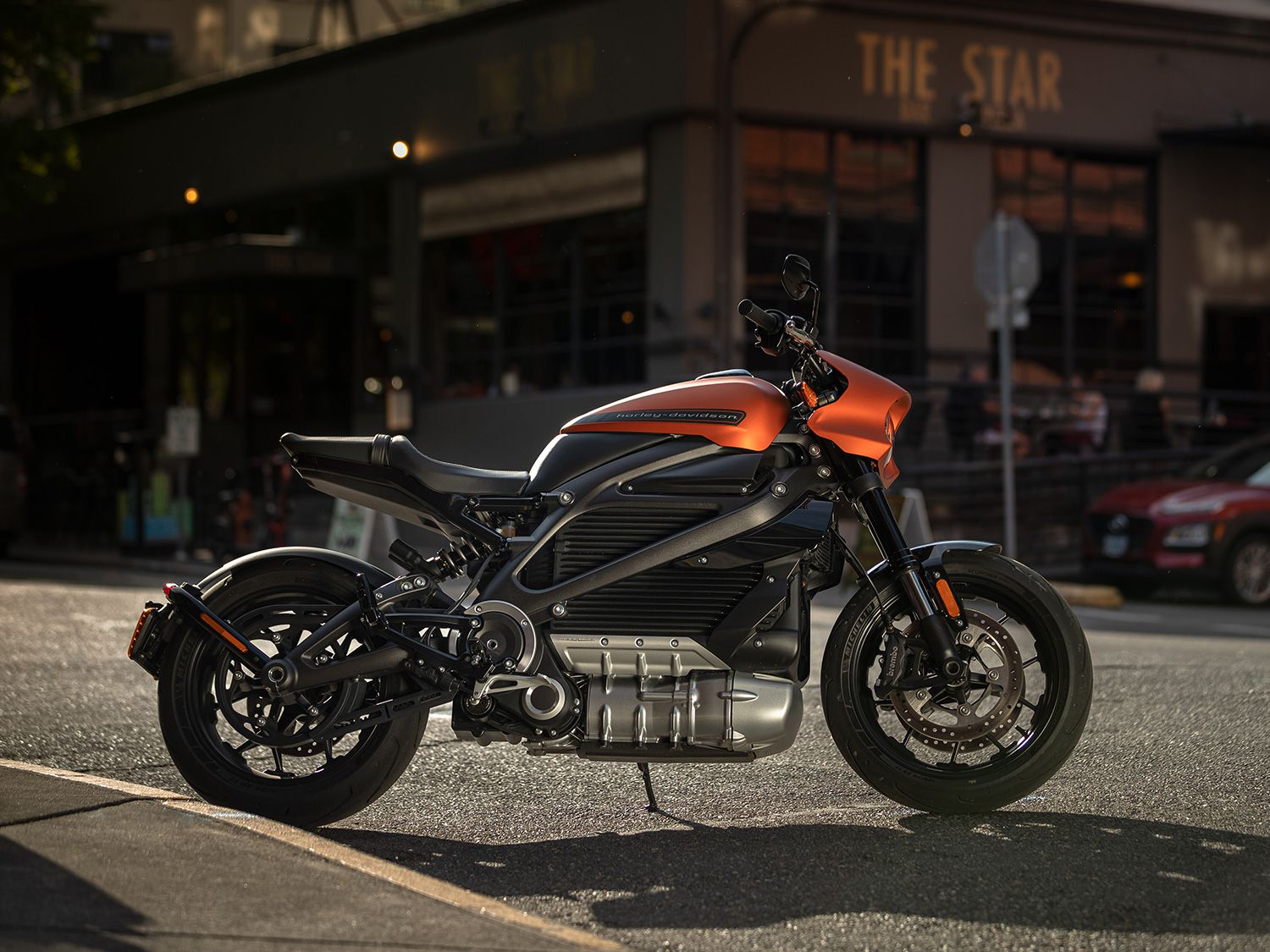 Pleasing 2020 Harley Davidson Livewire First Ride Cycle World Caraccident5 Cool Chair Designs And Ideas Caraccident5Info