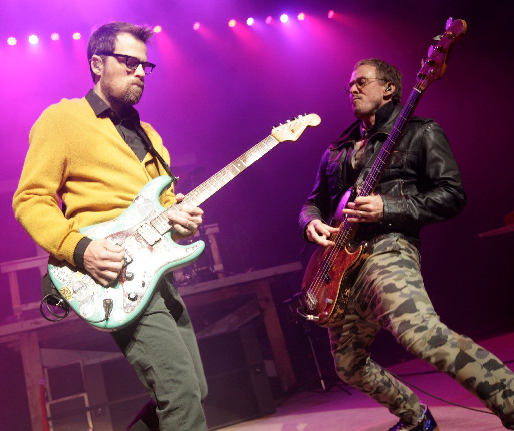 Weezer Christmas.How The Edge Stole Christmas Concert Was Stripped Of Any