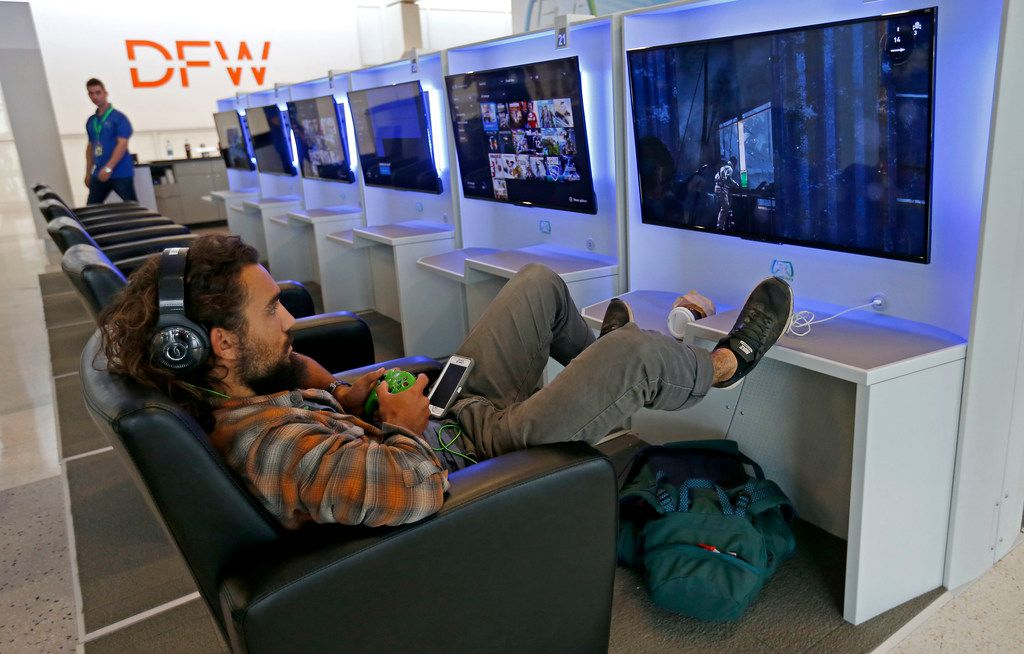 Score Dfw Airport Now Has Two Video Game Lounges