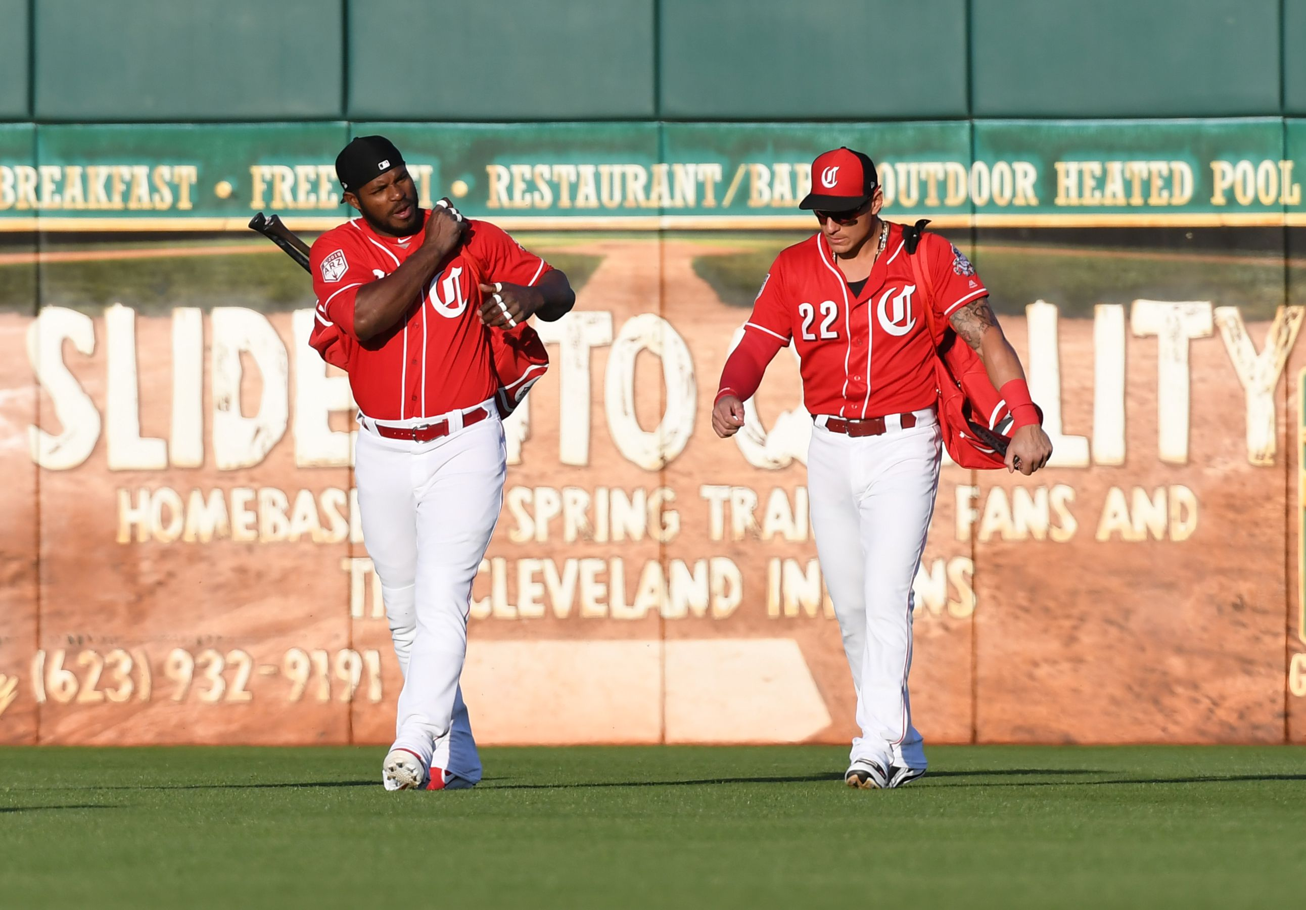 Cincinnati Reds: Sorting out crowded outfield