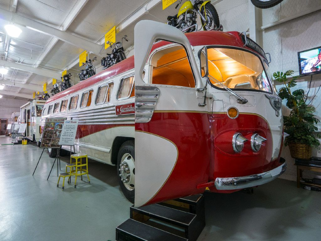 Owner of retro-cool Texas RV museum wants people to