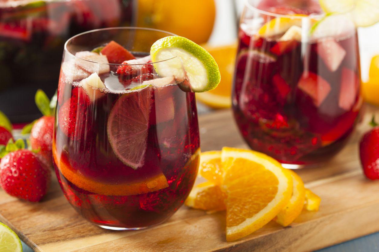 Receta Ponche De Frutas Con Opción De Añadir Vodka O Ron
