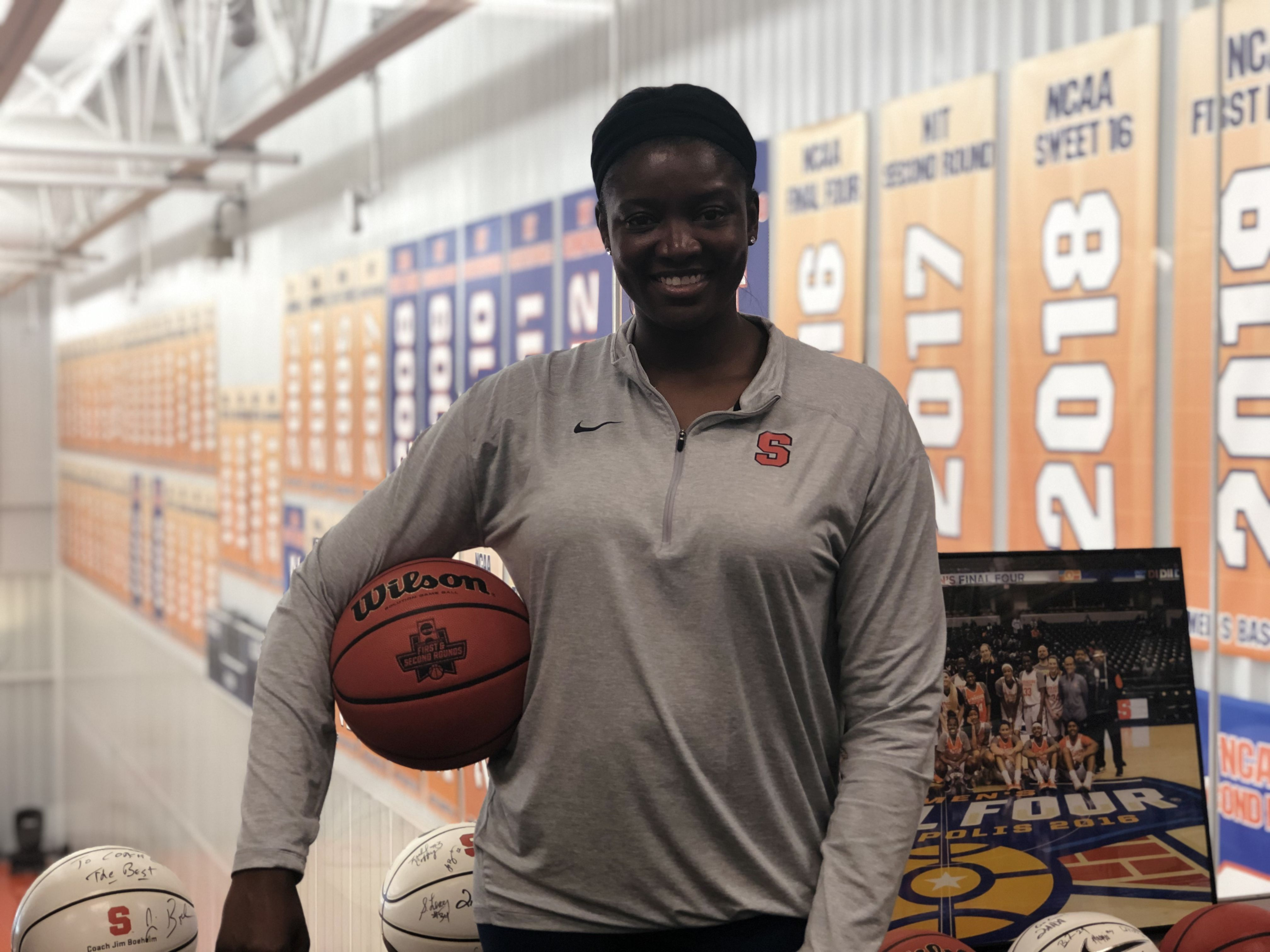 New Syracuse Women S Basketball Assistant Takes Step Back To