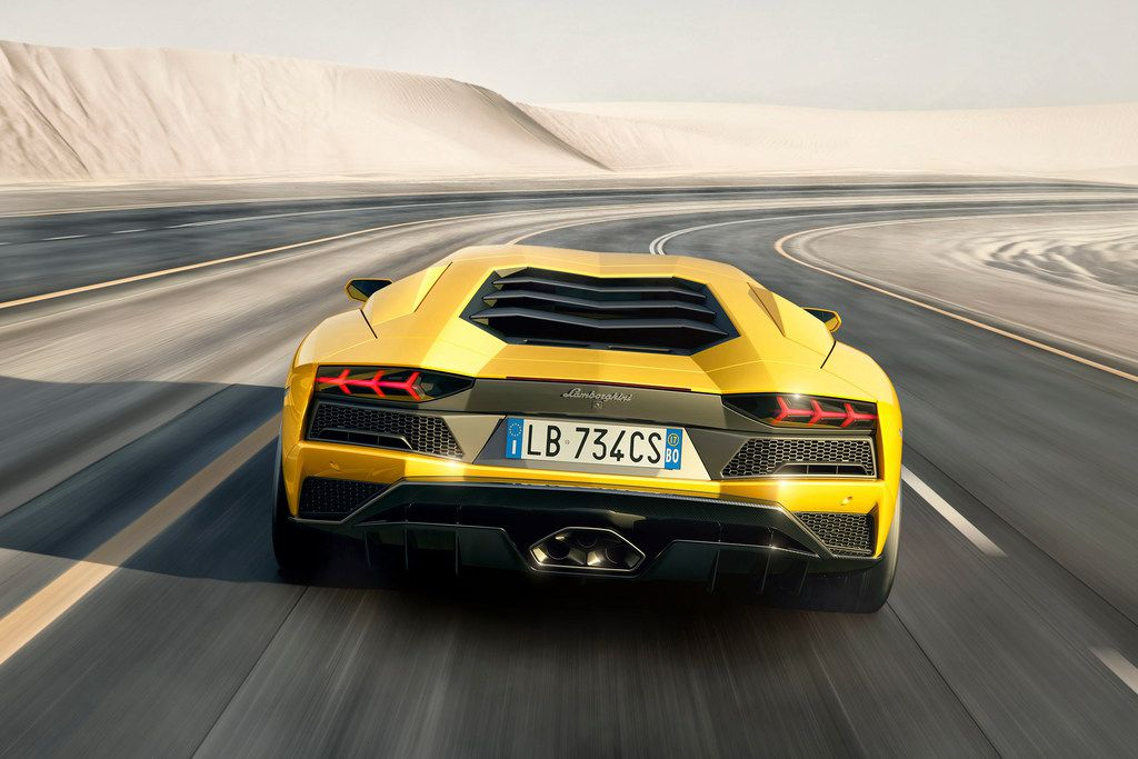 Got Gas Money The Lambo Aventador Super Sports Car Could Be Your Daily Driver