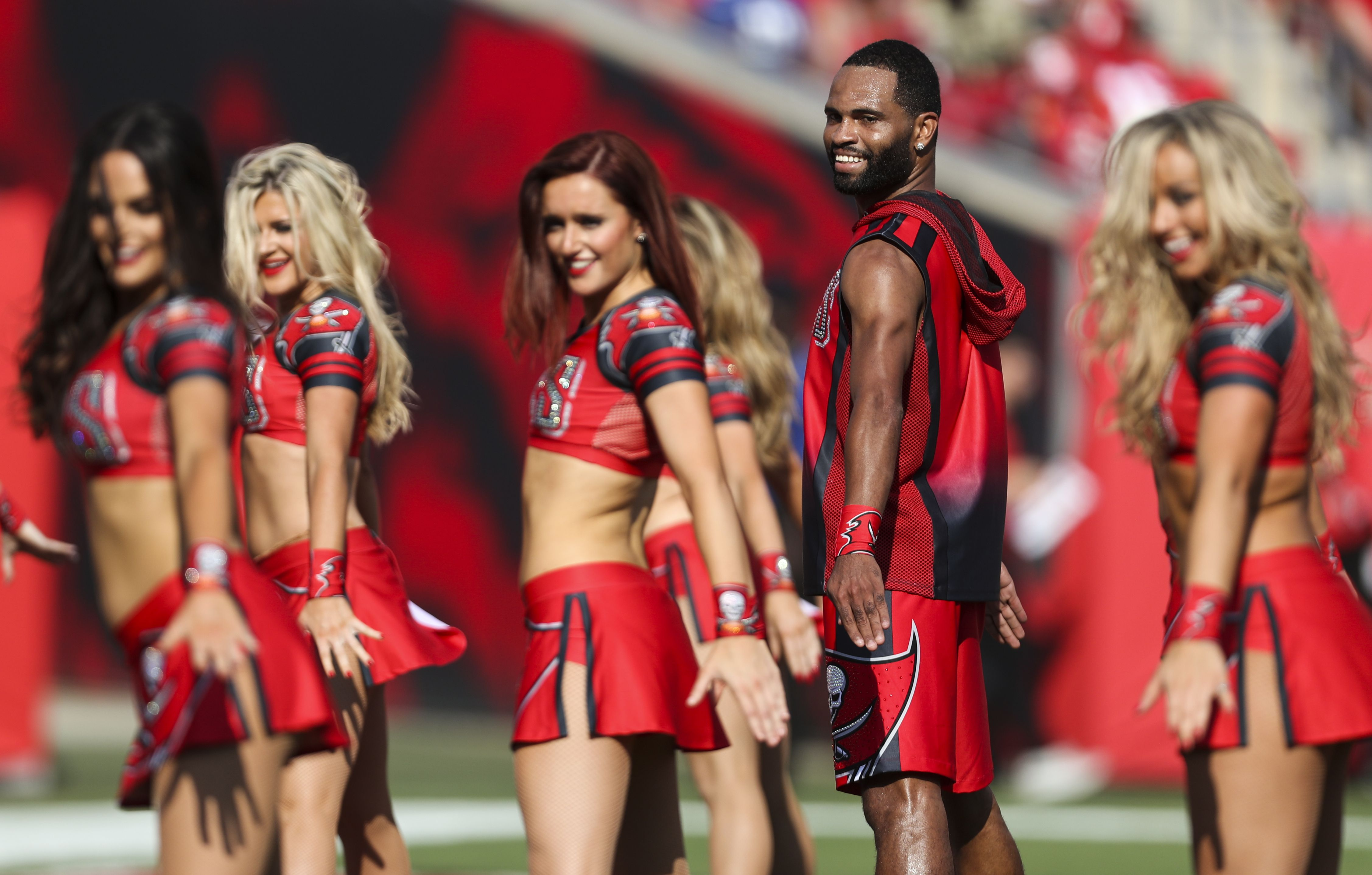 Bucs' first male cheerleader looks to pioneer new movement