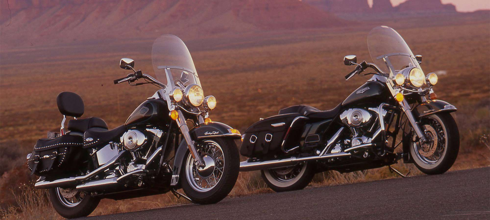 Big Twin Shootout Between The 2000 Harley Davidson Road King And The Heritage Softail Classic Cycle World