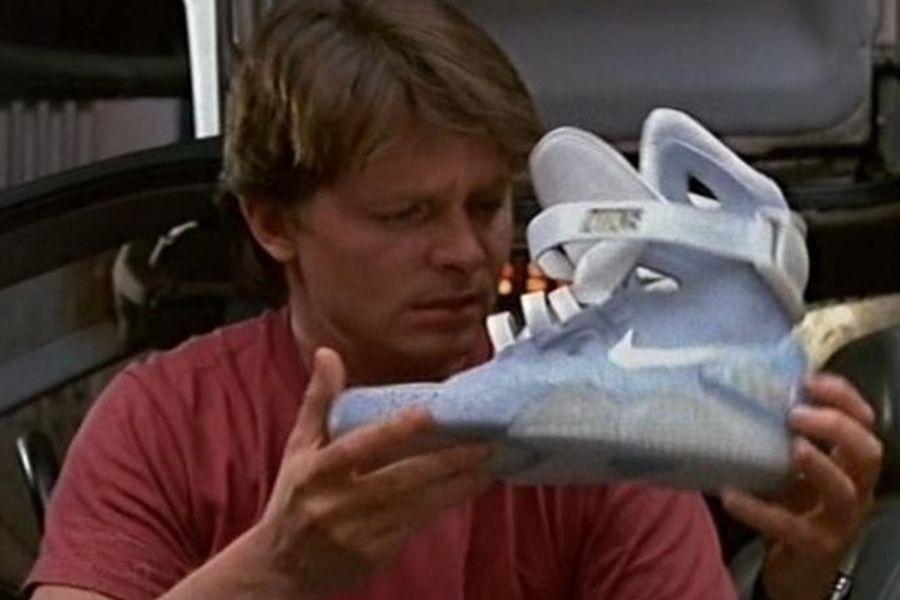 Rama Punto muerto virtud  Las zapatillas originales de Volver al Futuro II están desintegrándose - La  Tercera